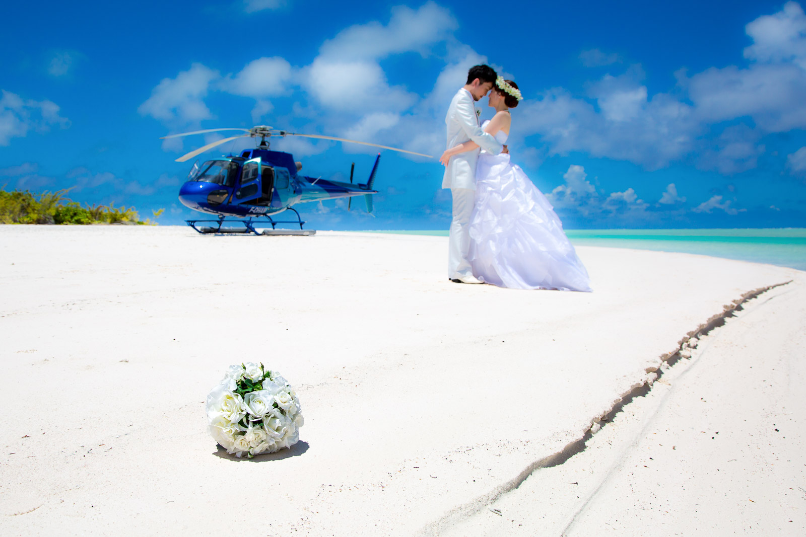 Bora Bora Photographer Stephan & Bonnie | 100% Positive reviews! | Tupai Photo-Shoot with Tahiti Nui Helicopter | May 12, 2021